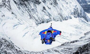 OD Red Bull Aktion - Valery Rozov am Mount Everest Base-Jump 2013