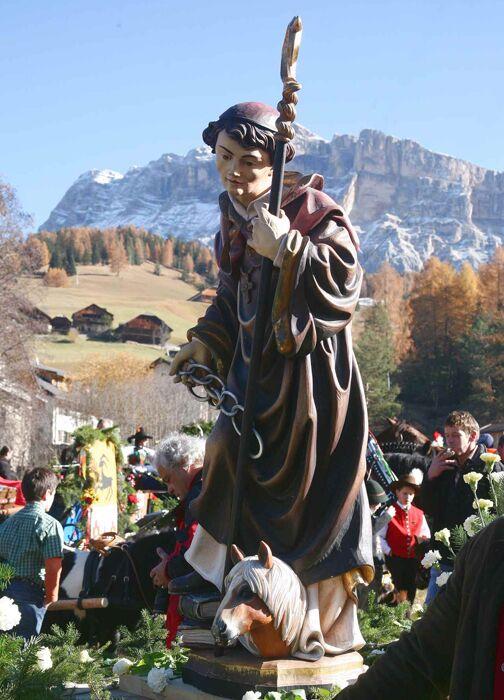 OD Statue Leonardi-Ritt Alta Badia