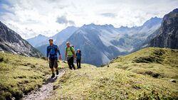 OD-Tirol-Active-Guide-10-Jahre-Adlerweg-Geschichte-und-Geschichten-01 (jpg)