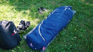 OUTDOOR Unboxing: Grüezi Bag Downwool Ice Schlafsack