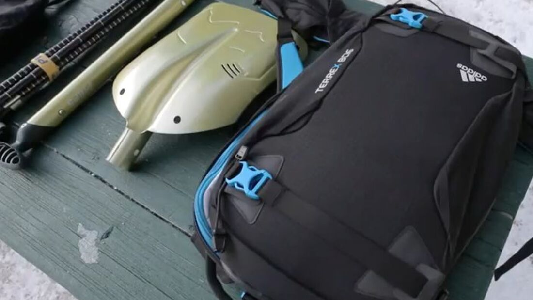 PS-Adidas-Skitouren-Anleitung-Ausrüstung-Rucksack-packen
