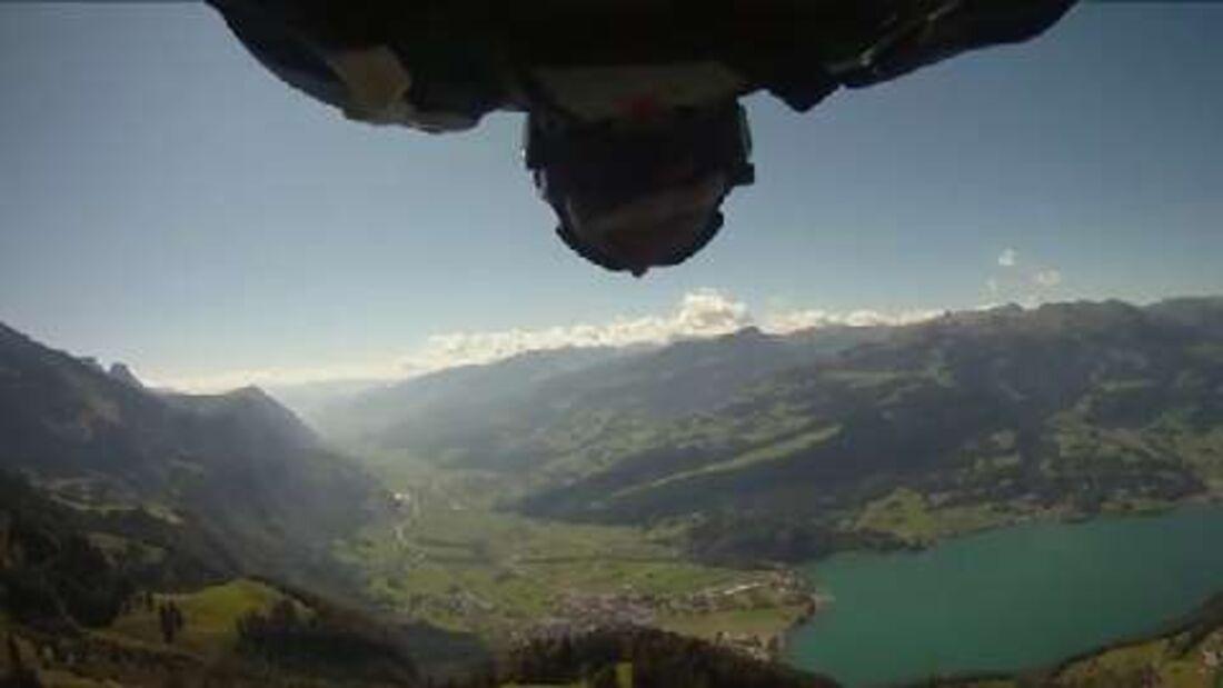 Red Bull Athlet Cedric Dumont: Base Jumping in den Churfirsten