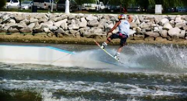 Red Bull Moments 2010: Wakeboarden in Perfektion - JD Webb bei der Red Bull National Wake 2010