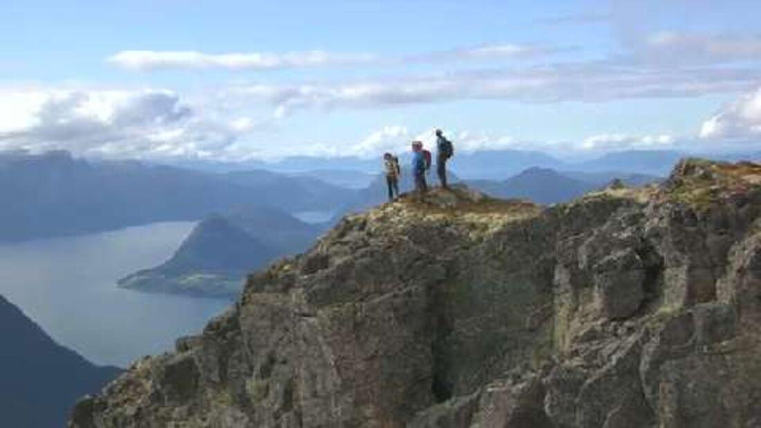 Romsdalseggen und Romsdalsfjord in Fjord Norwegen