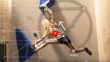 Shauna Coxsey demonstriert, was im Körper beim Klettern passiert