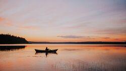 Sonnenuntergang am See - Finnland