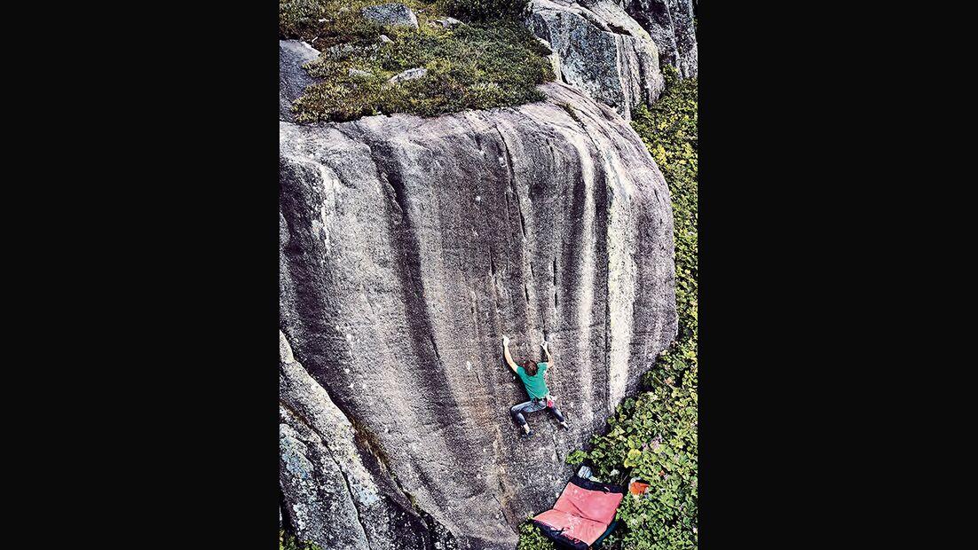 Thomas Adank in Blackflag, Grimselpass, Schweiz