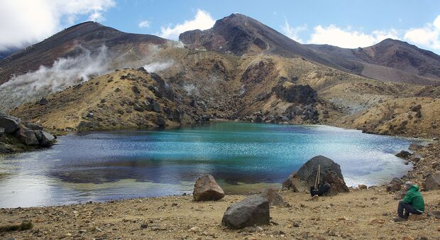 Tongariro Alpine Crossing with the Emerald Lakes and the Blue Lake