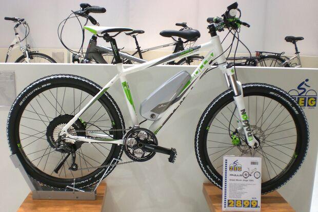 UB_bikeexpo_2011_bulls_greenmover_CIMG5467_greenmover_jinga_2012_totale (JPG)