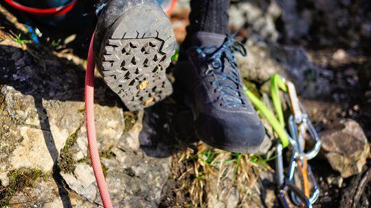Zustiegsschuhe fürs Klettern im Test