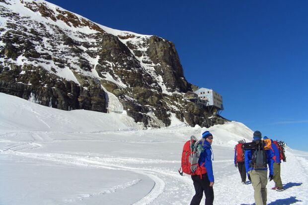 dmax-mountaincamp-0b (jpg)