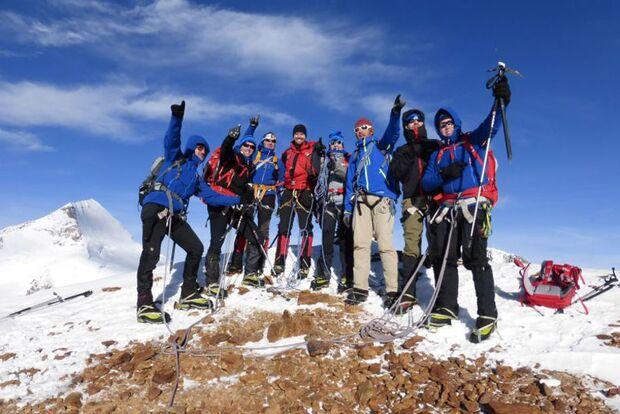 dmax-mountaincamp-1 (jpg)