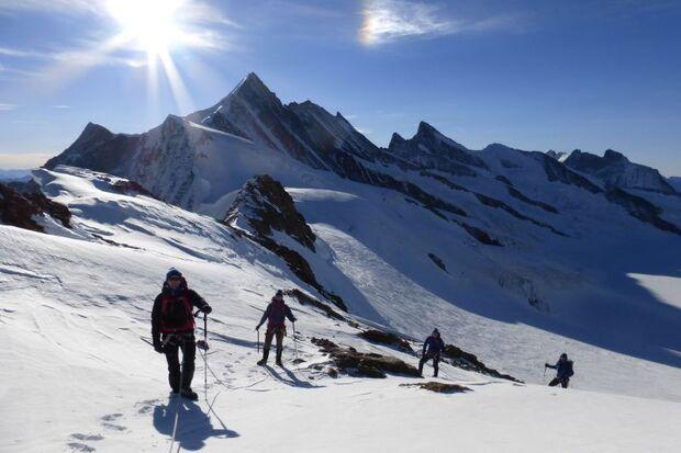 dmax-mountaincamp-2 (jpg)