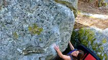 kl-bouldern-fontainebleau-masta-boulda-7a-apremont-envers-c-steffen-kern (jpg)