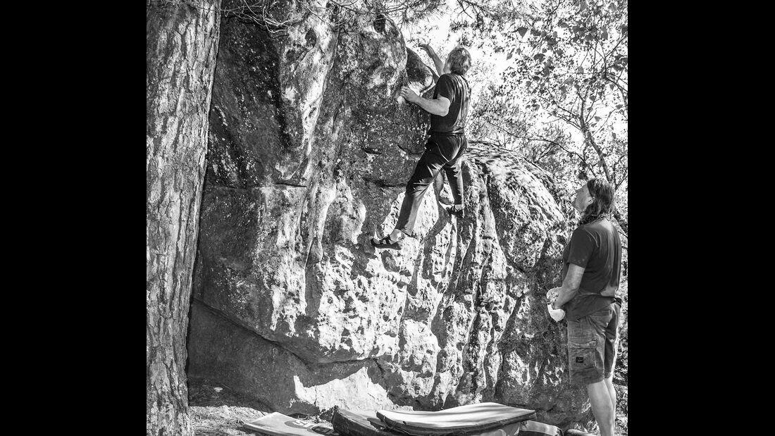 kl-bouldern-fontainebleau-rocher-de-milly-c-petra-dvorak-img2561 (jpg)