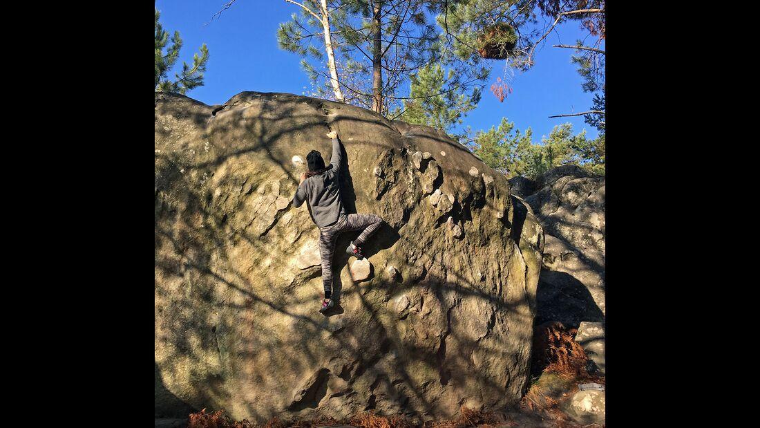 kl-bouldern-in-fontainebleau-kat-warmup-apremont-IMG_3843 (jpg)