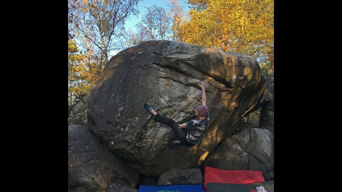 kl-bouldern-in-fontainebleau-nils-plat-de-saison-7a-3563-bearb (jpg)