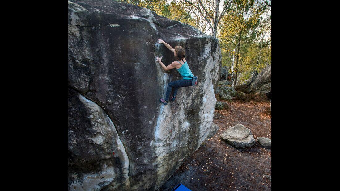 kl-bouldern-in-fontainebleau-sarah-grand-diedre-91-1-Nov2018-c-Rico-HaaseDSC_3639 (jpg)