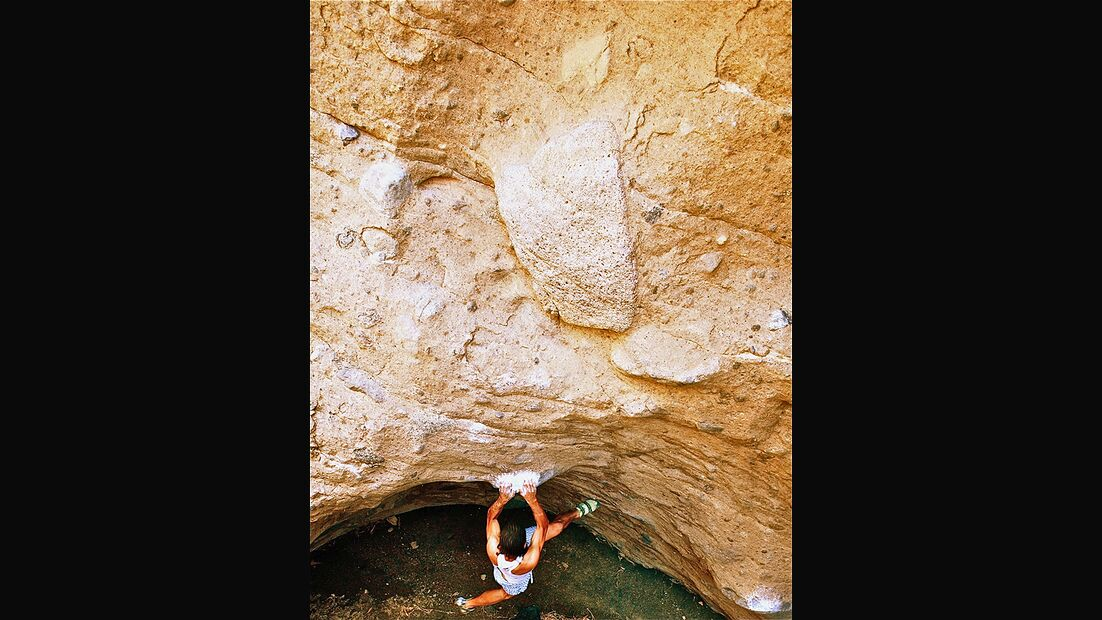 kl-bouldern-kapverden-tarzom-klettert-deep-heat-7c+-c-mustafa-eren (jpg)