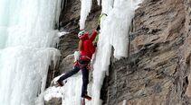 kl-eisklettern-_lucie-hrozova-ice-climbing-in-colorado-4 (jpg)