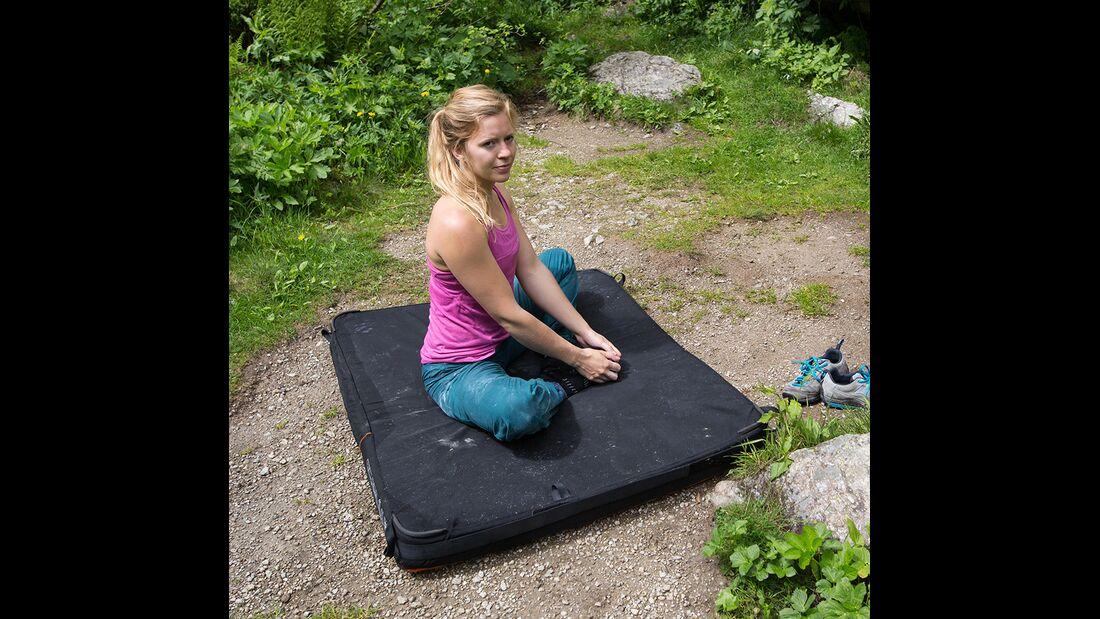 kl-hueftbeweglichkeit-bouldern-klettern-uebung-mina-c-jacob-slot-511a3187 (jpg)