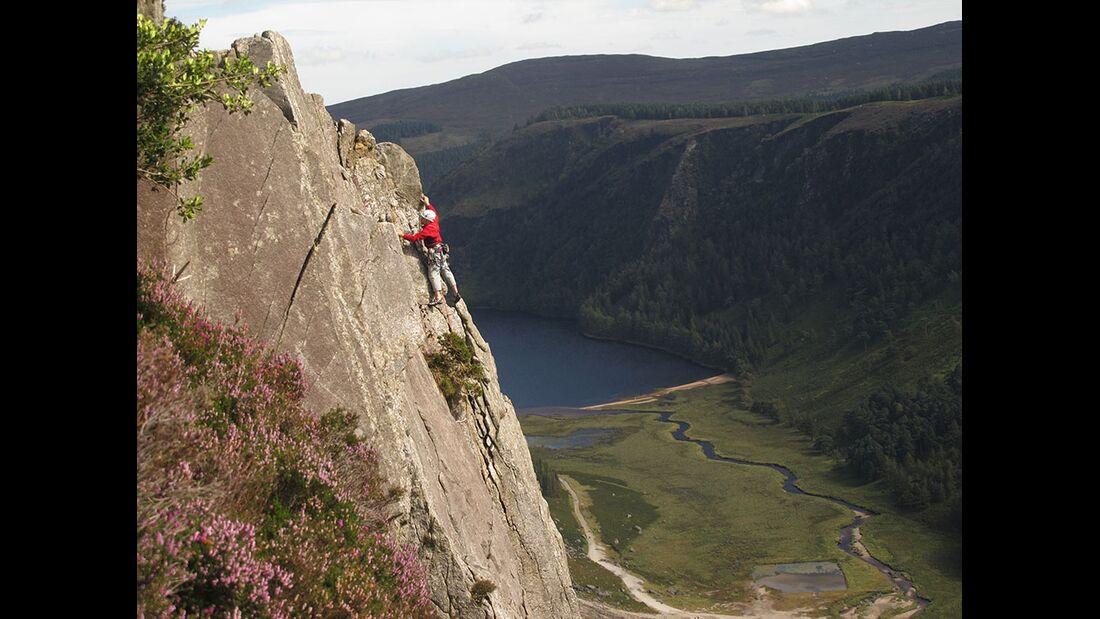 kl-klettern-in-irland-tradklettern-am-meer-c-david-flanagan-_4842 (jpg)
