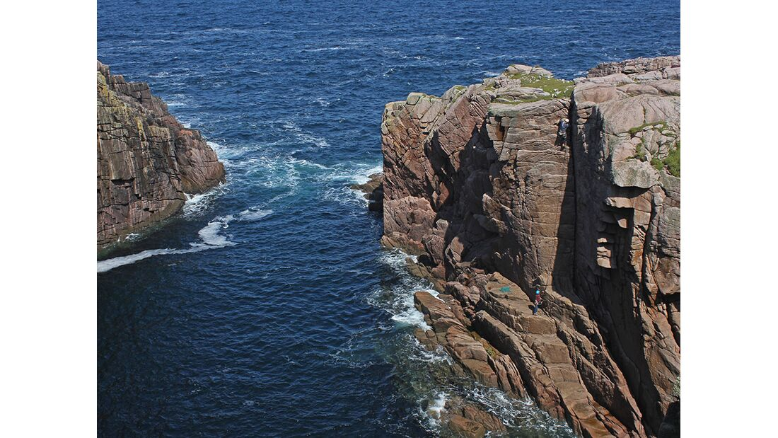 kl-klettern-in-irland-tradklettern-am-meer-c-david-flanagan-_9776 (jpg)