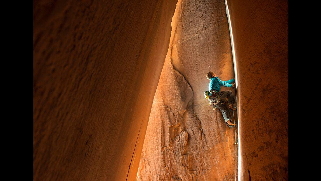 kl-klettern-usa-christian-pfanzelt-cody-scarpella-in-der-cave-route-indian-creek_226 (jpg)