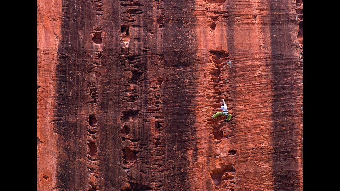 kl-klettern-usa-christian-pfanzelt-sebastian-ernst-an-der-gut-versteckten-namaste-wall-im-kolob-canyon-017 (jpg)