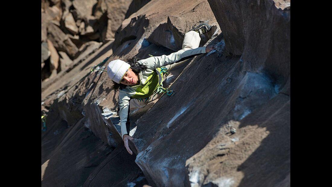 kl-klettern-usa-christian-pfanzelt-smith-rocks-lower-canyon-anna-enrich-smith-rocks-248 (jpg)