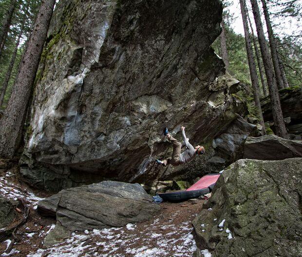 kl-klettern-zillertal-tirol-bouldern_ginzling_wald_051 (jpg)