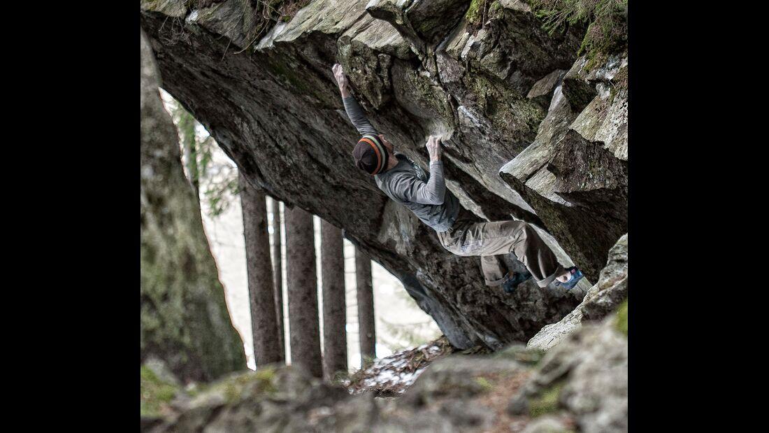 kl-klettern-zillertal-tirol-bouldern_ginzling_wald_076 (jpg)