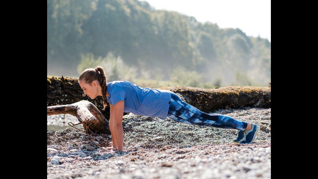 kl-outdoor-gym-jack-wolfskin-felix-klemme-outdoortraining-liegestuetz-auf-stamm1 (jpg)