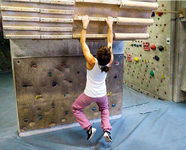 kl-training-am-campusboard-fehler-sarah-haengen-15-02-26-146bearb (jpg)