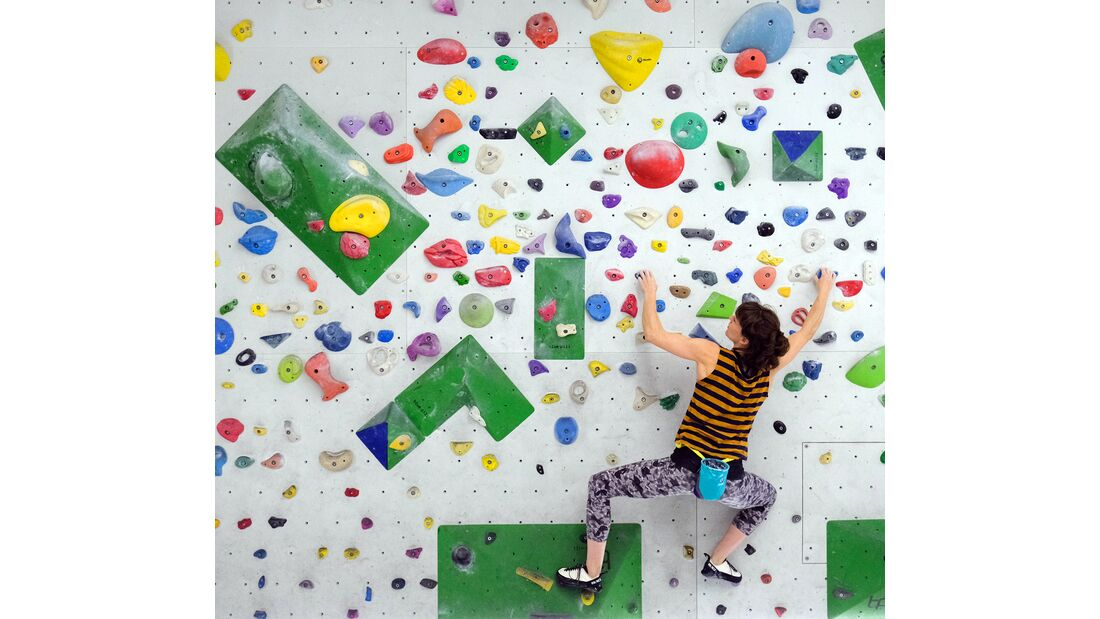 kl-training-fingerkraft-waldau-sarah-boulder-quergang-c-ralph-stoehr-082 (jpg)