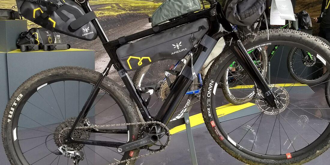 mb-bikepacking-apidura-02.jpg