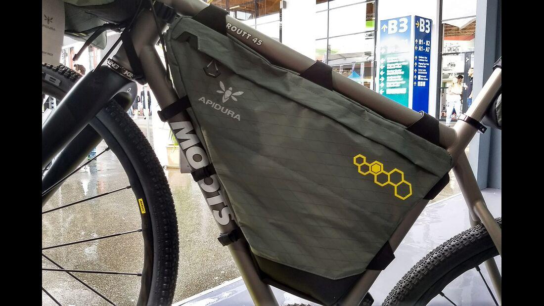 mb-bikepacking-apidura-08.jpg