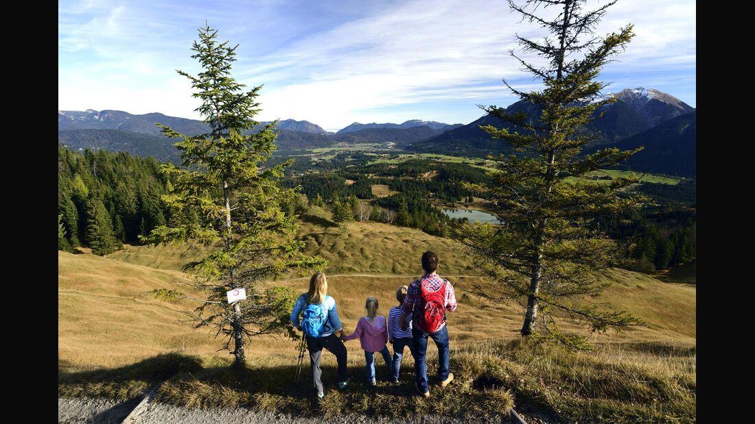 od-0519-bayern-special-karwendel familienwandern Ausblick Kranzberg (jpg)