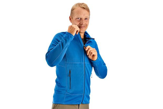 od-0618-tested-on-tour-patagonia-r1-full-zip-jacket (jpg)
