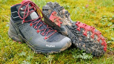 od-0618-tested-on-tour-salewa-alpenrose-ultra-mid (jpg)