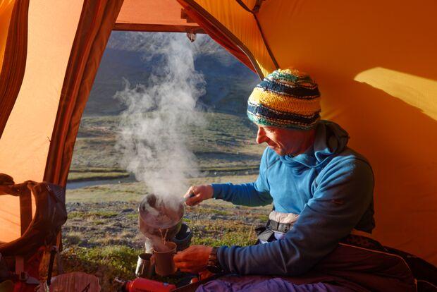 od-0815-trekkingrucksack-test-teaserbild Sarek Zelt Zelten Kocher Kochen Wasser Boris