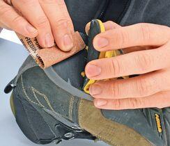 So reparieren Sie eine abgelöste Schuhsohle outdoor