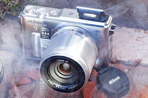 od-2014-kameras-nikon-1aw1 (jpg)
