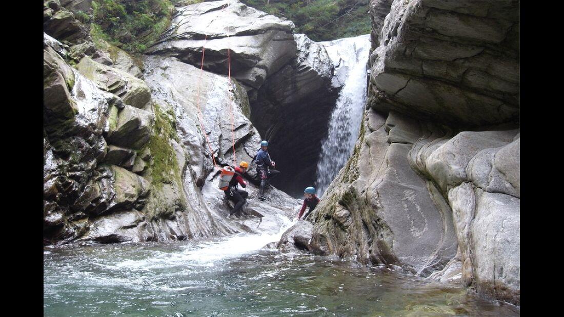 od-2015-canyoning-bergwasser-8b (jpg)