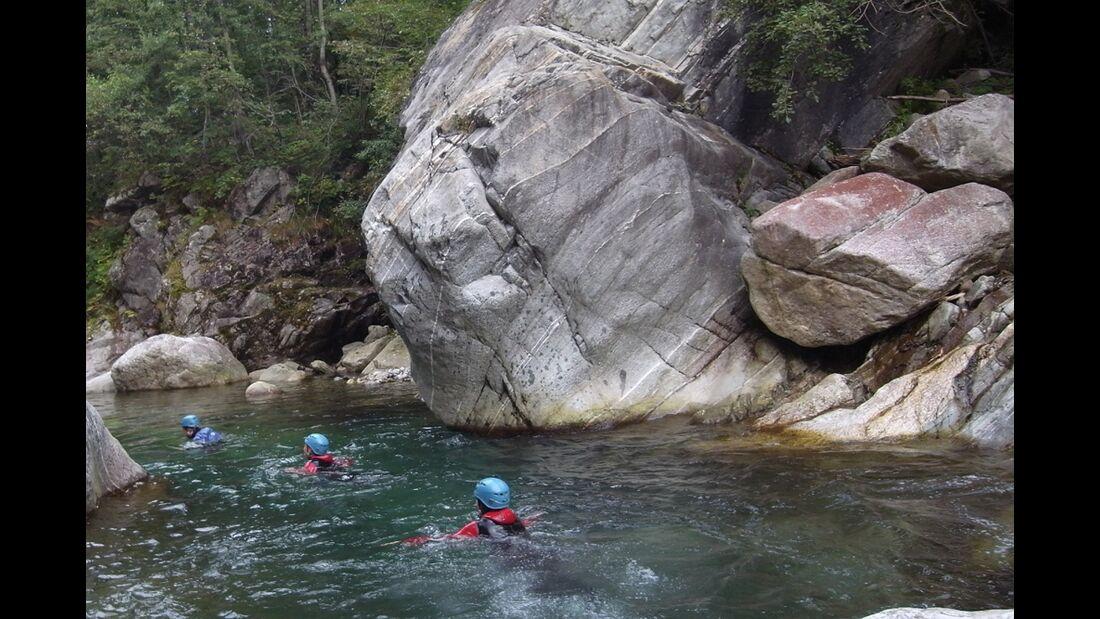 od-2015-canyoning-bergwasser-9a (jpg)
