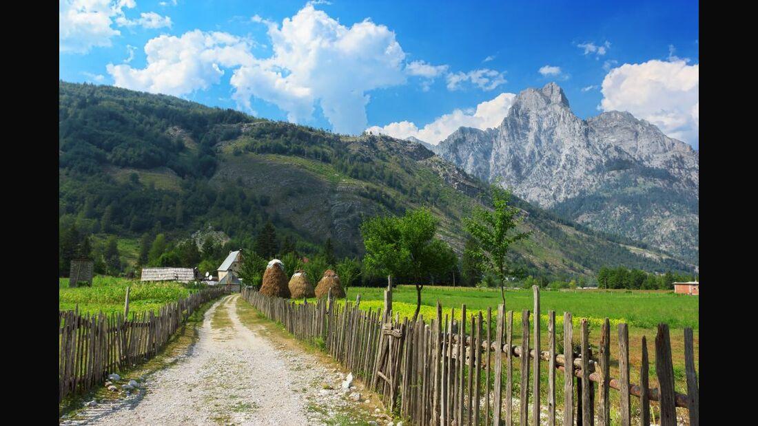 od 2017 albanien wandern valbona osteuropa berge peaks of the balkan colourbox (jpg)