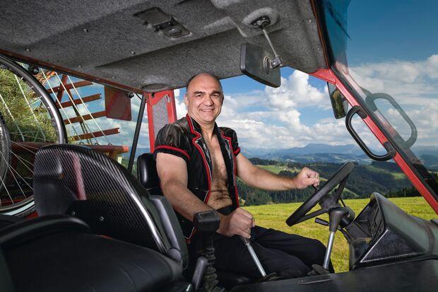 od-2018-alpenboys-bauernkalender-august (jpg)