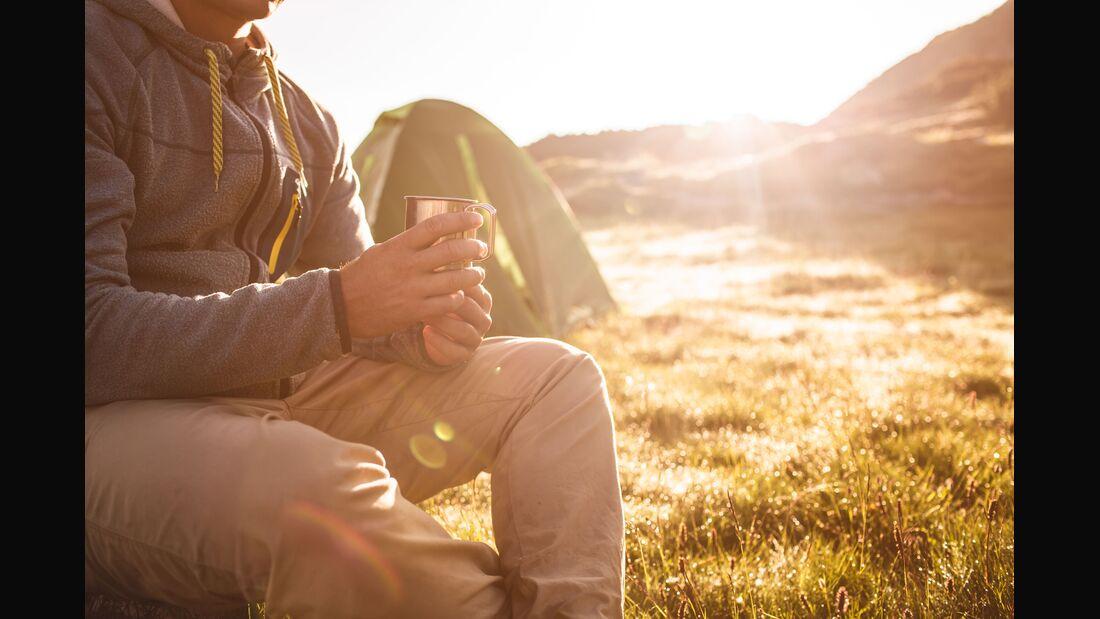 od-2018-herbst-zelten-camping-kaffeeCOLOURBOX20036405 (jpg)