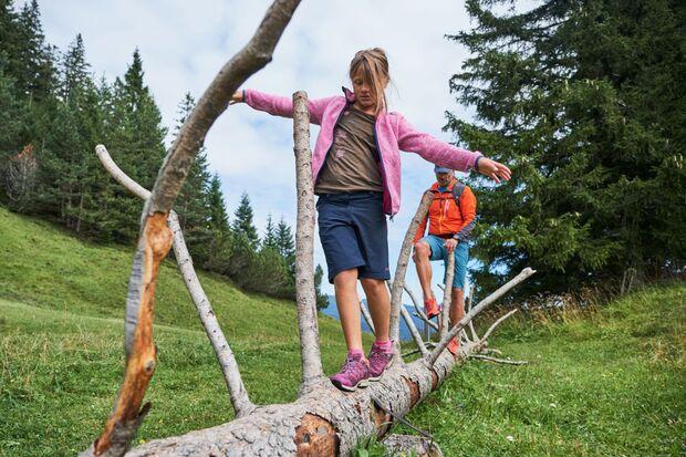 od-2019-bayern-family-alpenwelt-karwendel-Familienwanderung_am_Kranzberg-2 (jpg)
