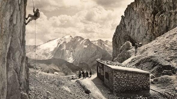 od-2019-dolomiten-jubilaeum-1954-Toni-Demetz-Huette-Dolomites-Val-Gardena (jpg)